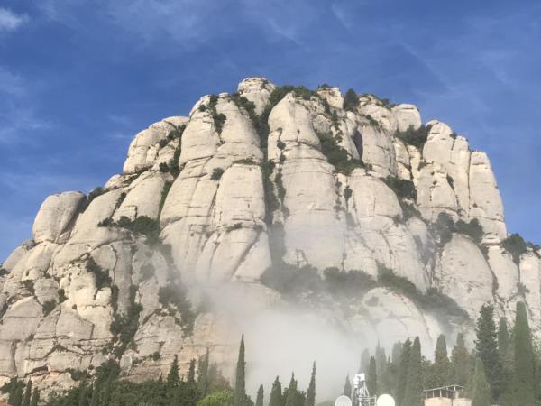 57 Montserrat