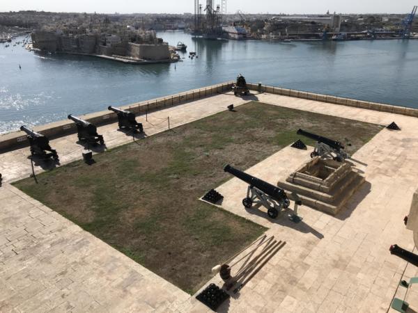 30f Malta