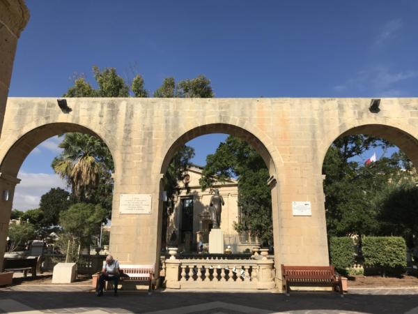 30i Malta